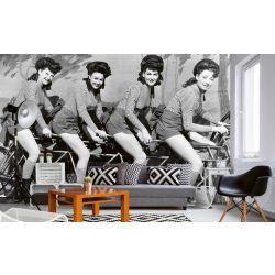 WOMEN ON BICYCLE fotótapéta, poszter, vlies alapanyag, 375x250 cm